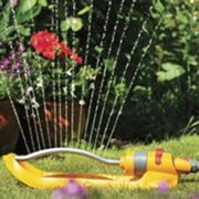 Hozelock Rectangular Oscillating Garden Sprinkler Plus 180m2