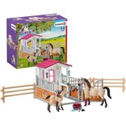 Schleich Horse Club Stall with Arabian Horses Groomer Toy Figure