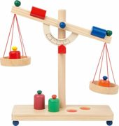 Small Foot wooden lever scale