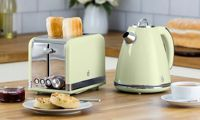 Swan Kettle and Two-Slice Toaster: Green