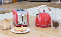 Swan Retro Kettle and Toaster Set: Two-Slice/Red